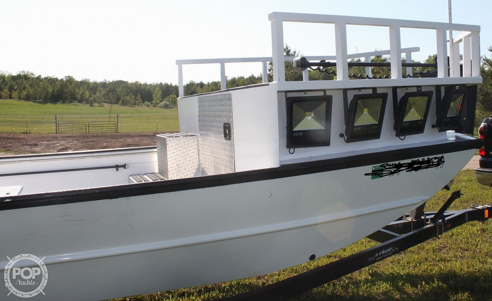 2014 Lowe boat for sale, model of the boat is 2070 Roughneck & Image # 21 of 40
