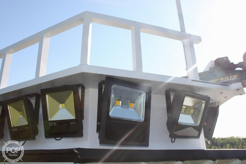 2014 Lowe boat for sale, model of the boat is 2070 Roughneck & Image # 35 of 40