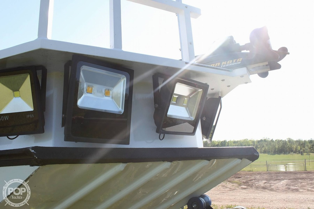 2014 Lowe boat for sale, model of the boat is 2070 Roughneck & Image # 36 of 40
