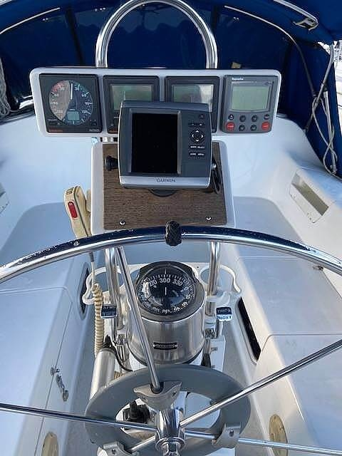 1998 Catalina Yachts boat for sale, model of the boat is 34 MKII & Image # 3 of 40