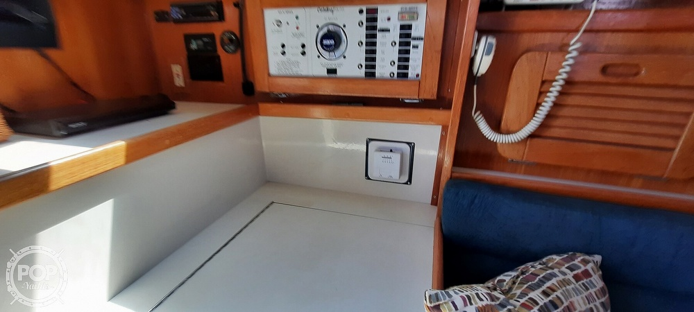 1998 Catalina Yachts boat for sale, model of the boat is 34 MKII & Image # 19 of 40