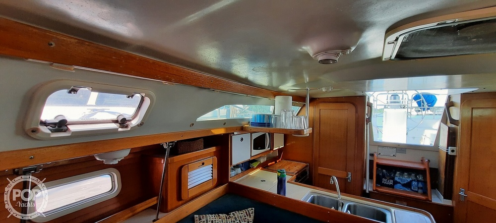 1998 Catalina Yachts boat for sale, model of the boat is 34 MKII & Image # 24 of 40