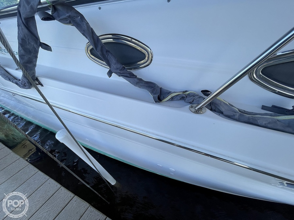 1999 Sea Ray boat for sale, model of the boat is 290 Sundancer & Image # 10 of 40