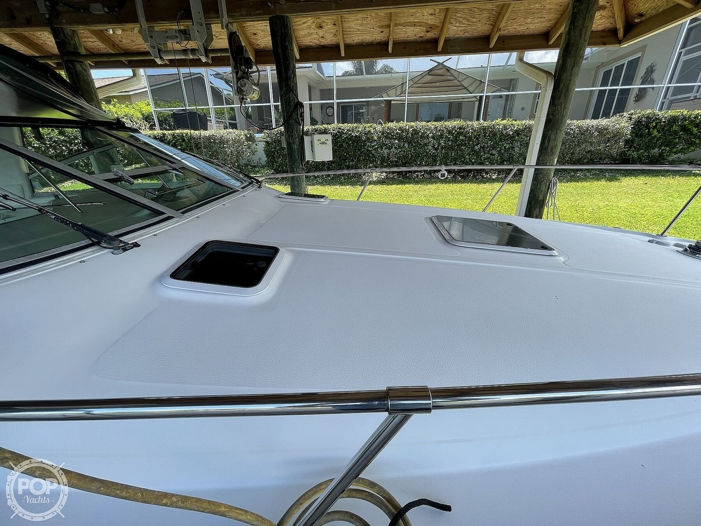 1999 Sea Ray boat for sale, model of the boat is 290 Sundancer & Image # 12 of 40
