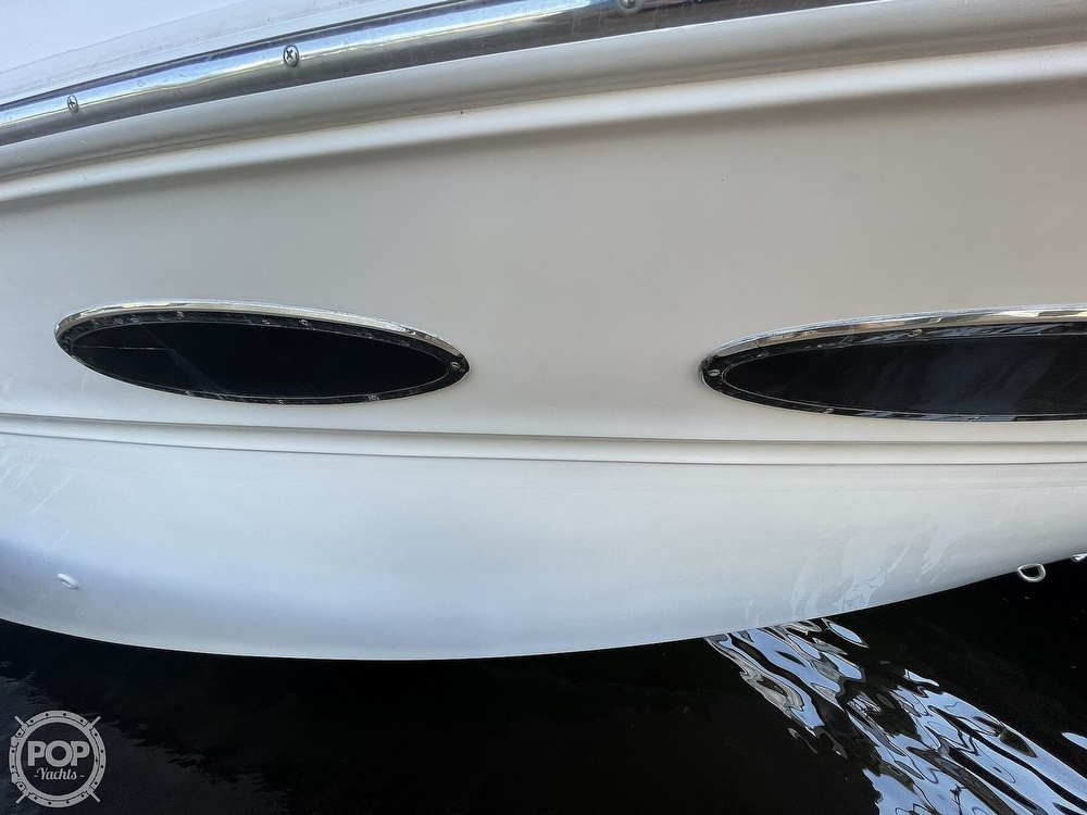1999 Sea Ray boat for sale, model of the boat is 290 Sundancer & Image # 15 of 40