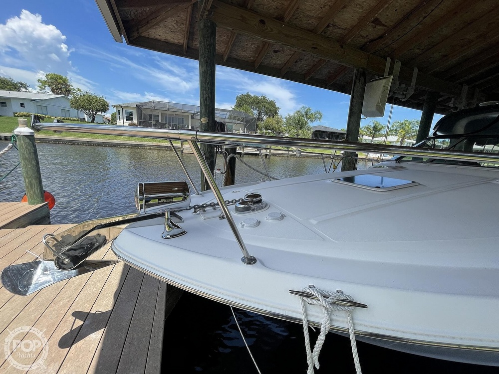 1999 Sea Ray boat for sale, model of the boat is 290 Sundancer & Image # 33 of 40