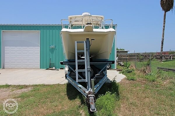 2006 World Cat boat for sale, model of the boat is 250 DC & Image # 3 of 33