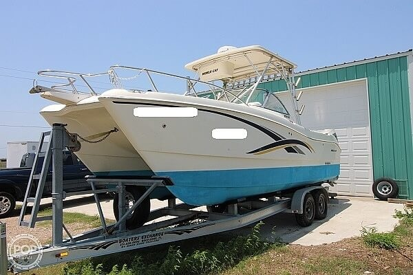 2006 World Cat boat for sale, model of the boat is 250 DC & Image # 4 of 33