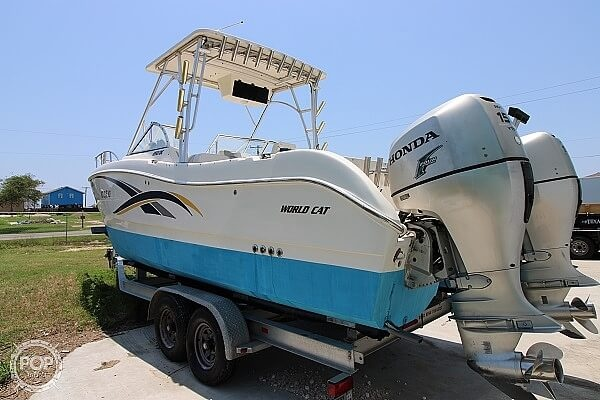 2006 World Cat boat for sale, model of the boat is 250 DC & Image # 5 of 33