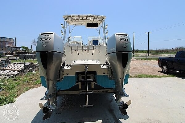 2006 World Cat boat for sale, model of the boat is 250 DC & Image # 6 of 33