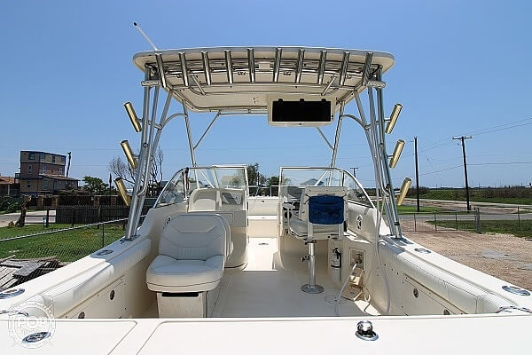 2006 World Cat boat for sale, model of the boat is 250 DC & Image # 11 of 33