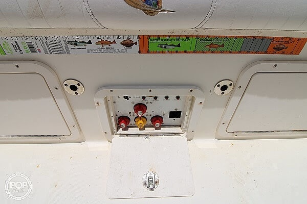2006 World Cat boat for sale, model of the boat is 250 DC & Image # 13 of 33