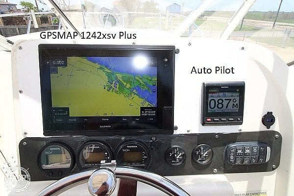 2006 World Cat boat for sale, model of the boat is 250 DC & Image # 16 of 33