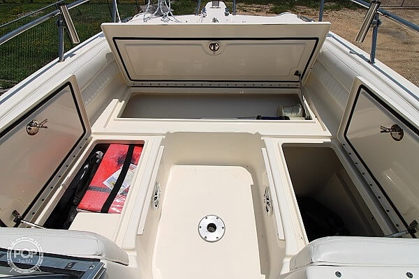 2006 World Cat boat for sale, model of the boat is 250 DC & Image # 21 of 33
