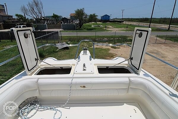 2006 World Cat boat for sale, model of the boat is 250 DC & Image # 24 of 33