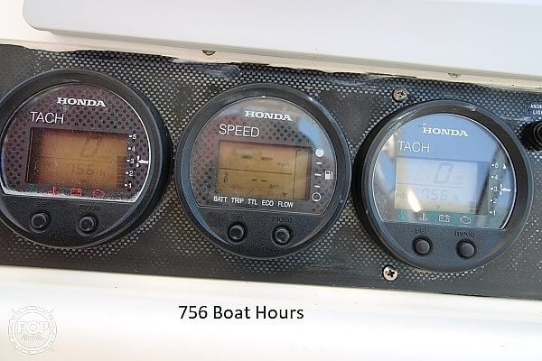 2006 World Cat boat for sale, model of the boat is 250 DC & Image # 31 of 33