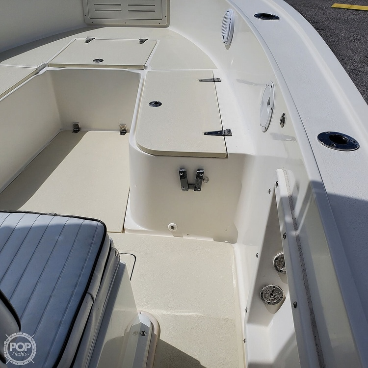 1992 Mako boat for sale, model of the boat is 221B & Image # 25 of 40