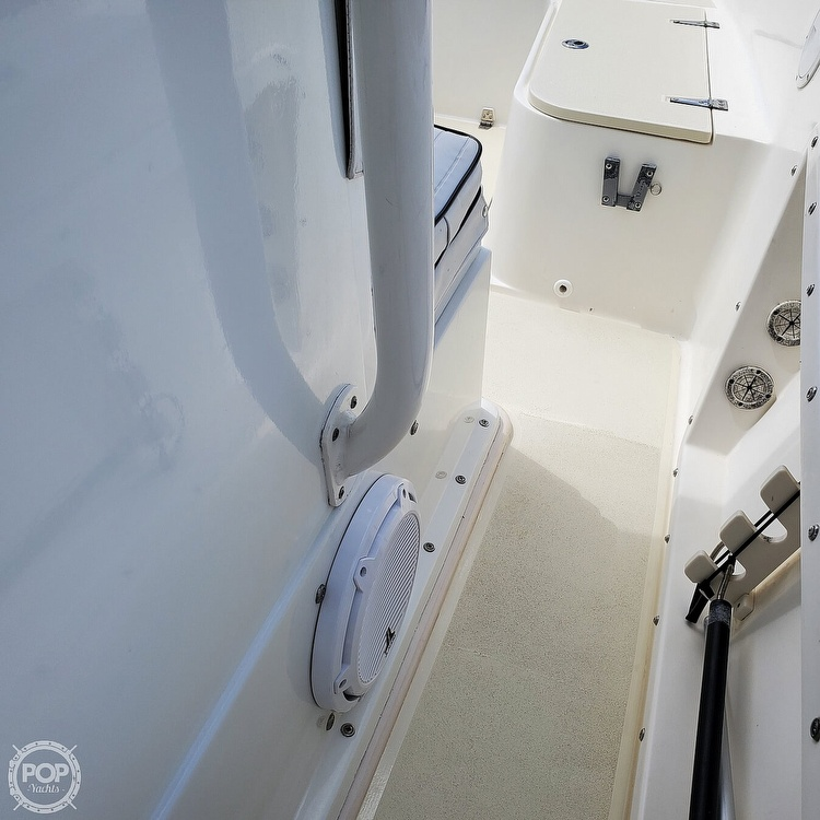 1992 Mako boat for sale, model of the boat is 221B & Image # 27 of 40