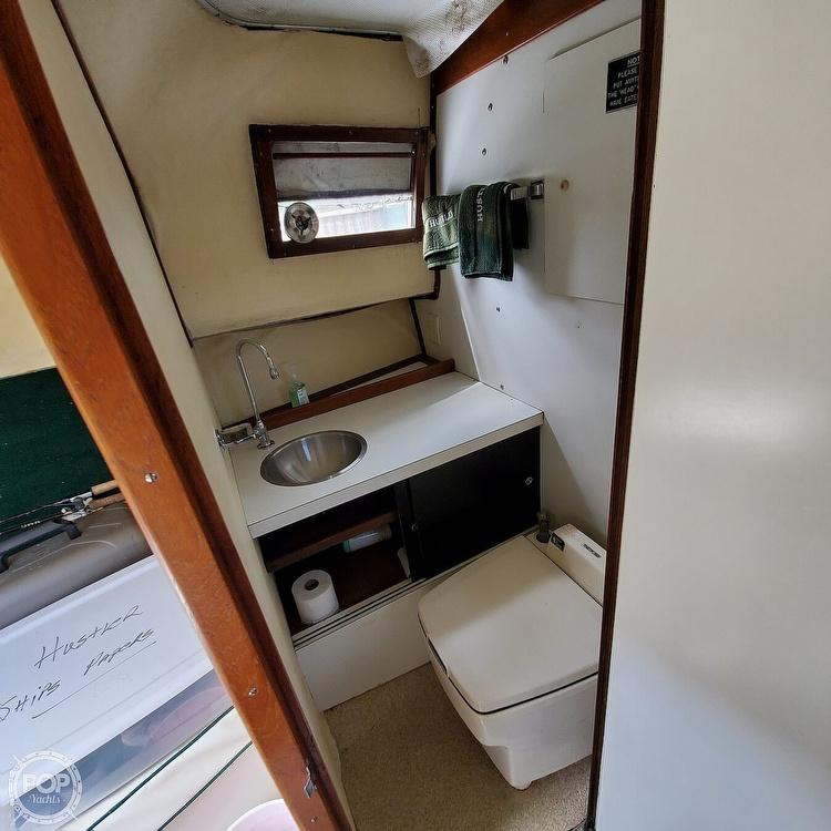 1966 Bertram boat for sale, model of the boat is Bahia-Mar 31 & Image # 18 of 40