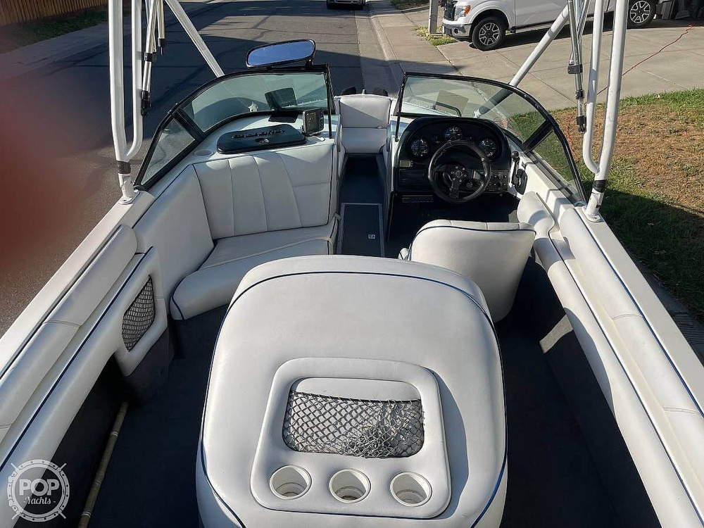 2003 Calabria boat for sale, model of the boat is Laguna & Image # 10 of 40