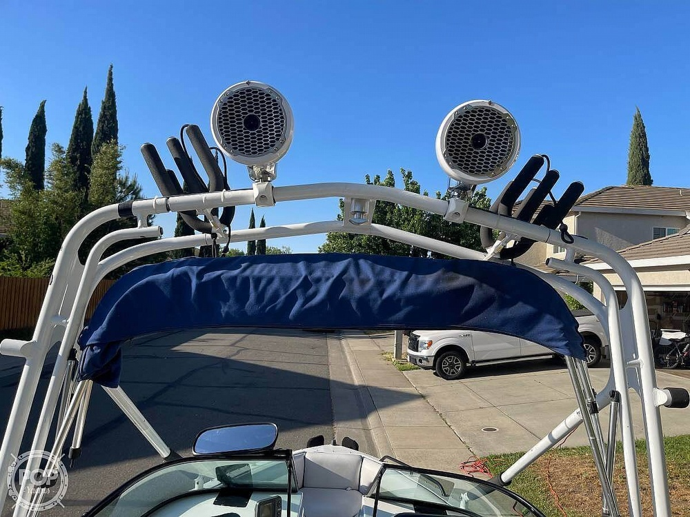 2003 Calabria boat for sale, model of the boat is Laguna & Image # 13 of 40