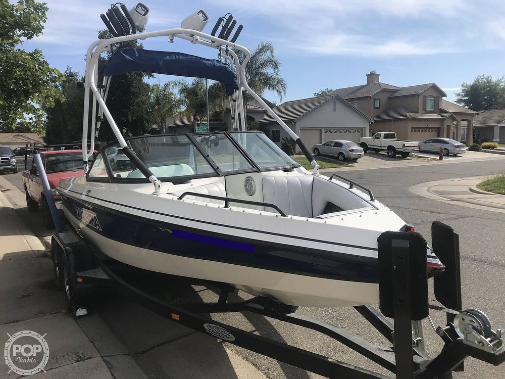 2003 Calabria boat for sale, model of the boat is Laguna & Image # 6 of 40