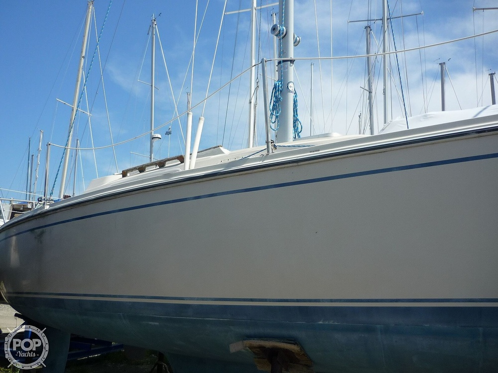 1984 CAL boat for sale, model of the boat is 24 & Image # 17 of 40