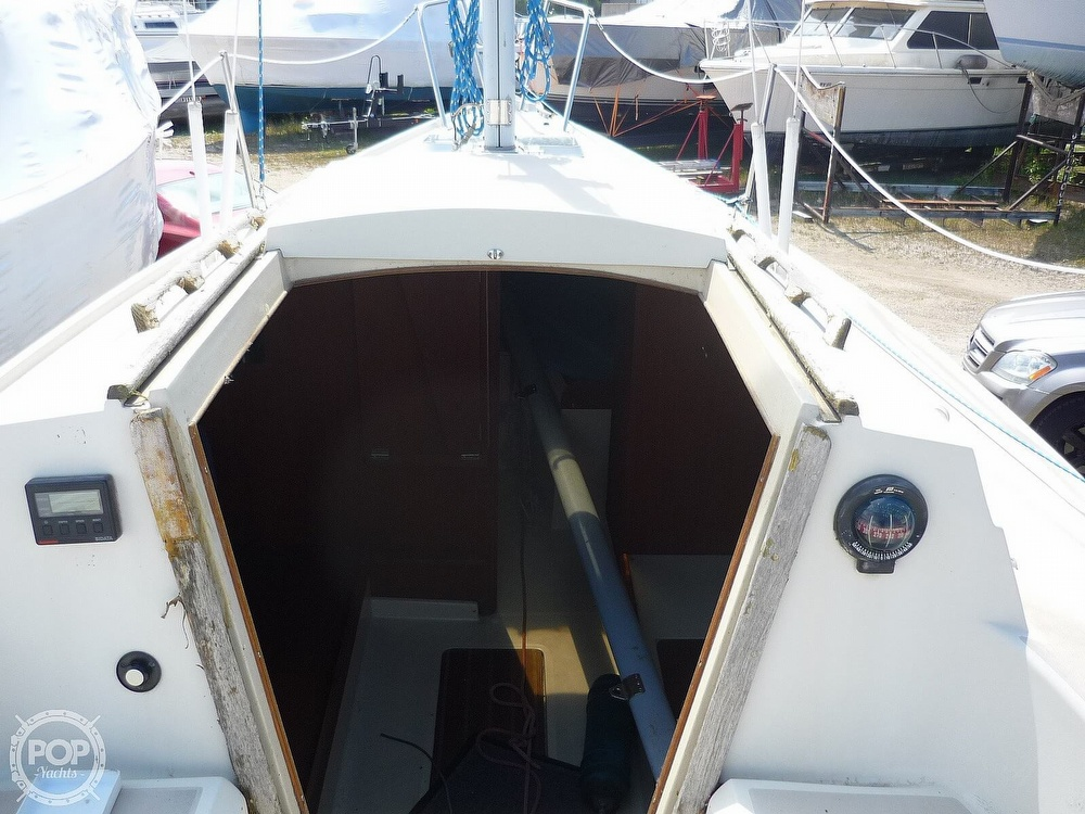 1984 CAL boat for sale, model of the boat is 24 & Image # 18 of 40