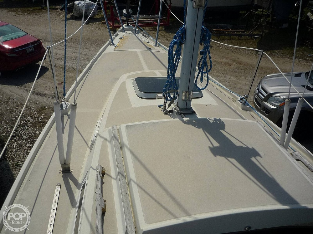 1984 CAL boat for sale, model of the boat is 24 & Image # 21 of 40