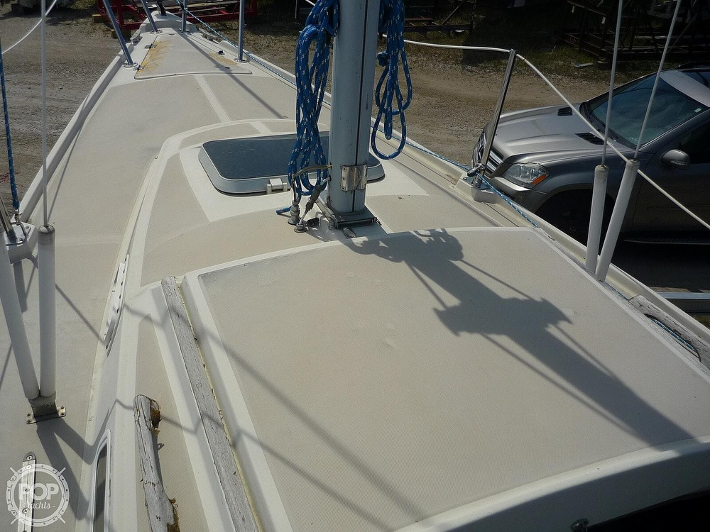 1984 CAL boat for sale, model of the boat is 24 & Image # 22 of 40