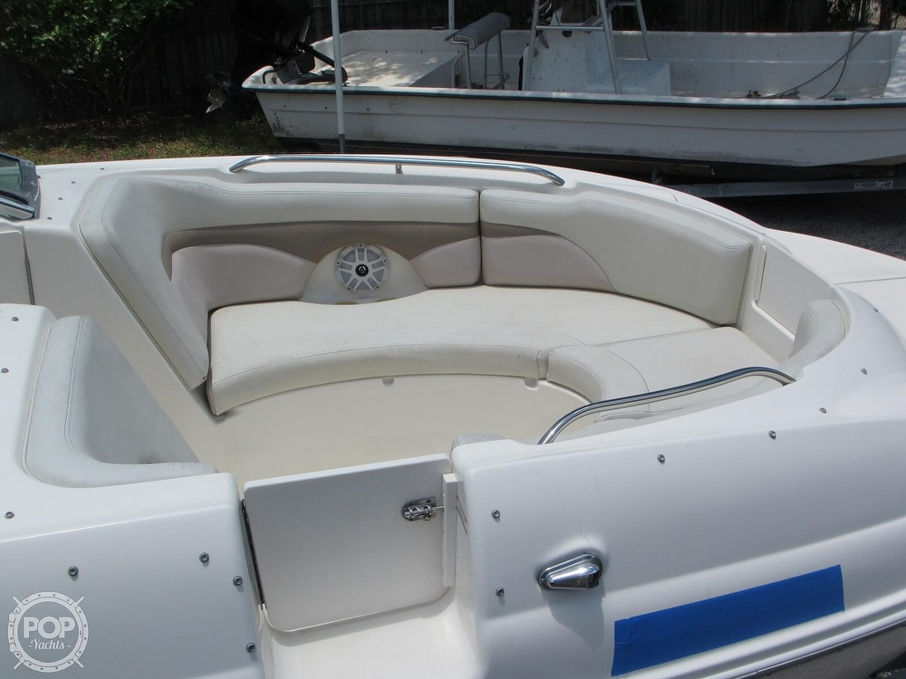 2004 Chaparral boat for sale, model of the boat is 254 Sunesta & Image # 16 of 40