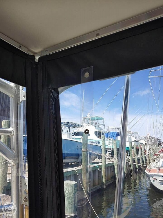 2001 Carolina Classic boat for sale, model of the boat is 28 & Image # 4 of 18