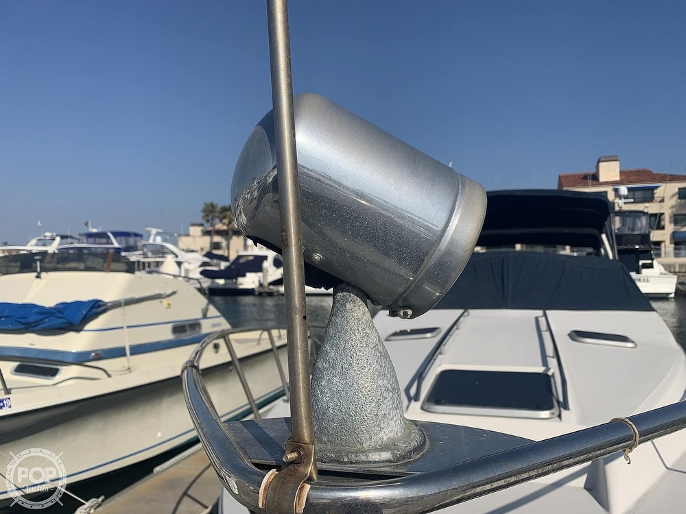 1988 Sea Ray boat for sale, model of the boat is 270 Sundancer & Image # 11 of 40