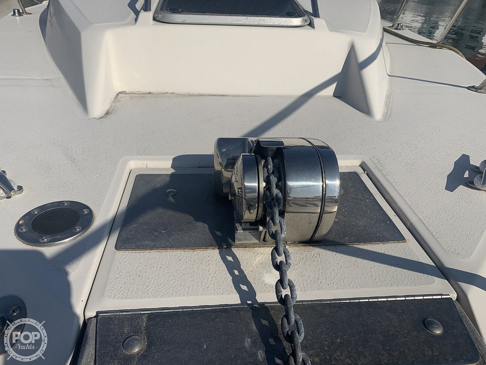 1988 Sea Ray boat for sale, model of the boat is 270 Sundancer & Image # 12 of 40