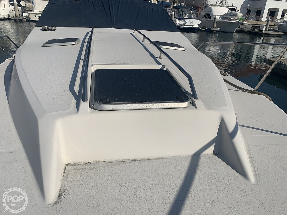 1988 Sea Ray boat for sale, model of the boat is 270 Sundancer & Image # 15 of 40