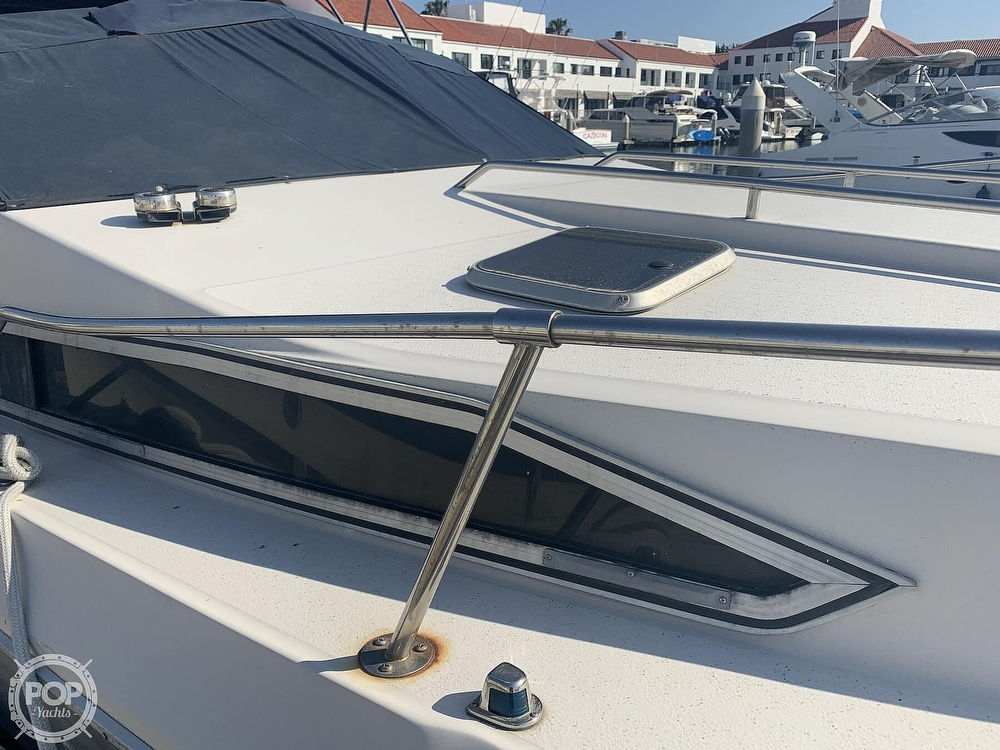 1988 Sea Ray boat for sale, model of the boat is 270 Sundancer & Image # 20 of 40