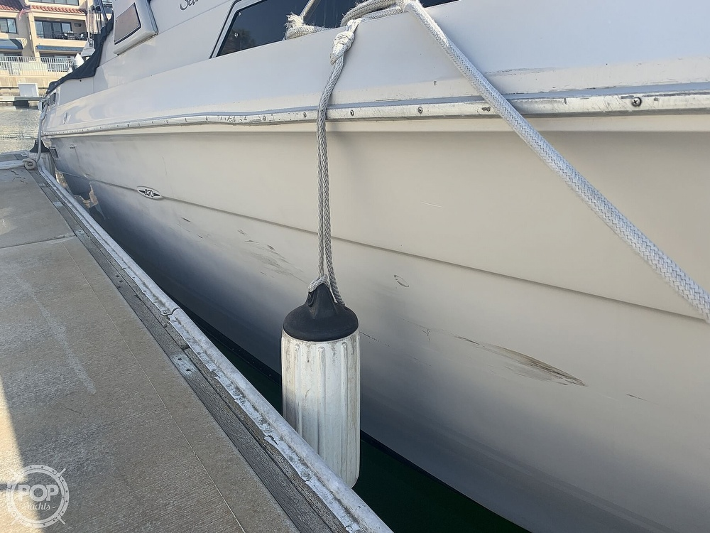1988 Sea Ray boat for sale, model of the boat is 270 Sundancer & Image # 23 of 40