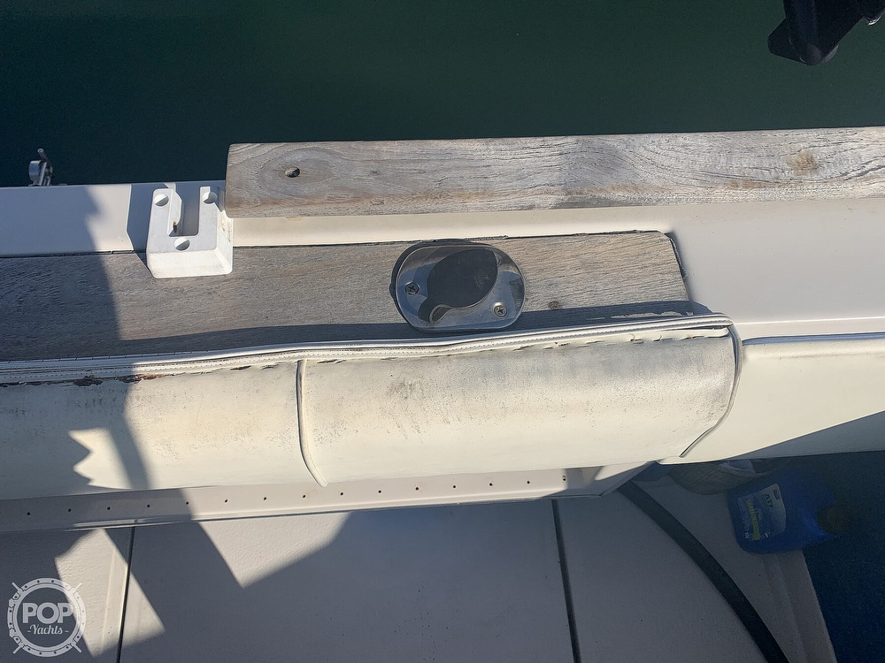 1988 Sea Ray boat for sale, model of the boat is 270 Sundancer & Image # 33 of 40