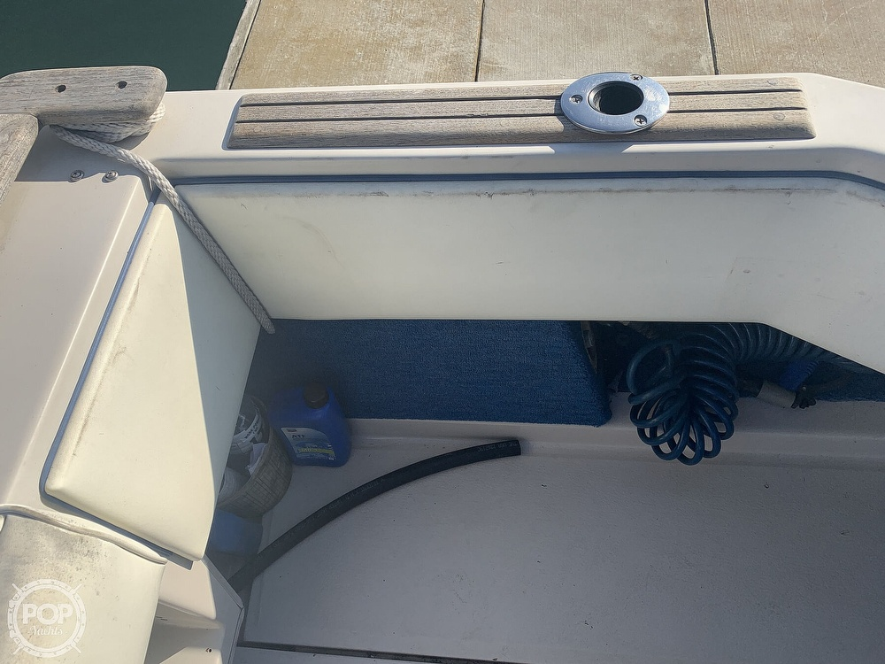 1988 Sea Ray boat for sale, model of the boat is 270 Sundancer & Image # 34 of 40