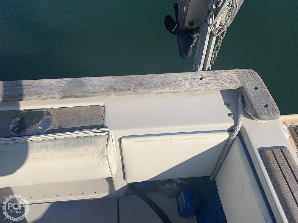1988 Sea Ray boat for sale, model of the boat is 270 Sundancer & Image # 35 of 40