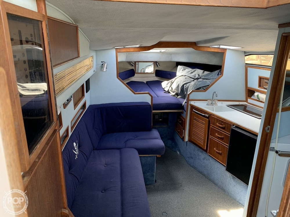 1988 Sea Ray boat for sale, model of the boat is 270 Sundancer & Image # 3 of 40