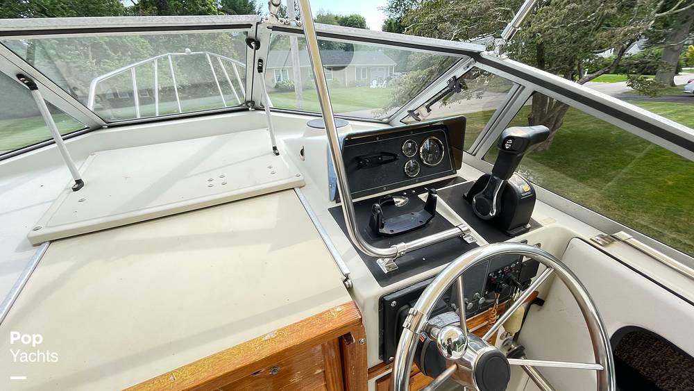 1987 Boston Whaler boat for sale, model of the boat is 22 Revenge WT & Image # 23 of 40