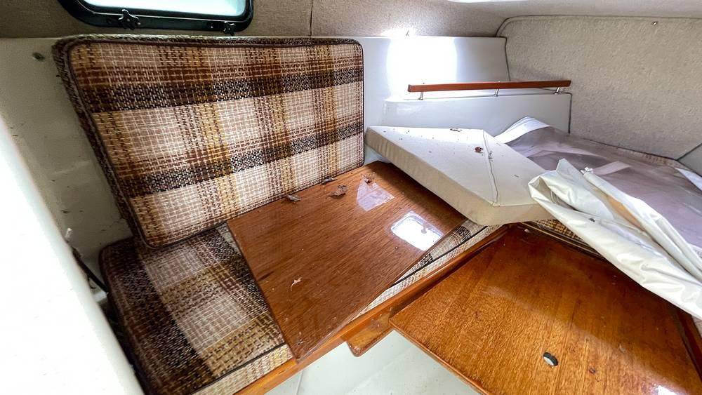 1987 Boston Whaler boat for sale, model of the boat is 22 Revenge WT & Image # 34 of 40