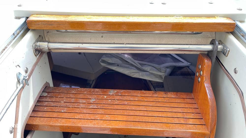 1987 Boston Whaler boat for sale, model of the boat is 22 Revenge WT & Image # 39 of 40
