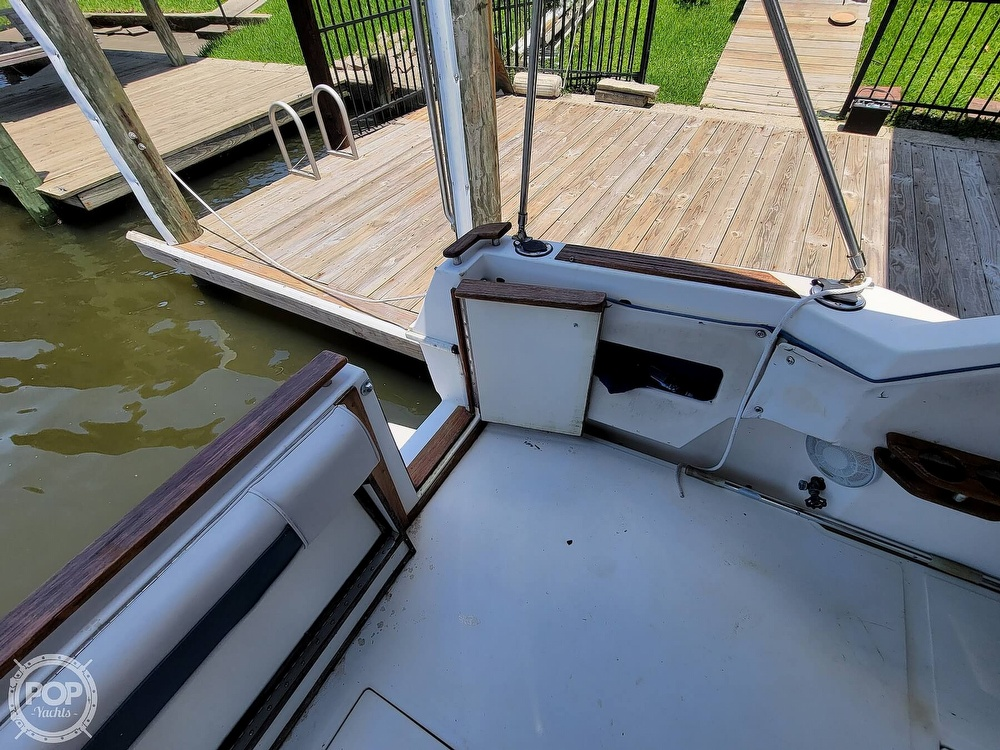 1988 Sea Ray boat for sale, model of the boat is 29 & Image # 9 of 40