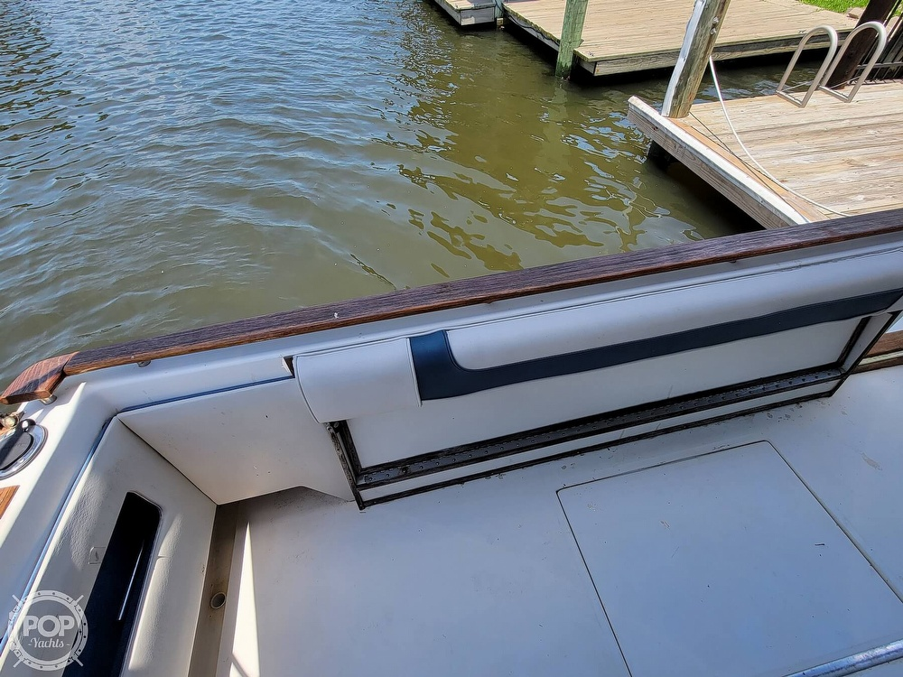 1988 Sea Ray boat for sale, model of the boat is 29 & Image # 10 of 40