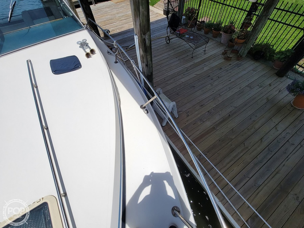 1988 Sea Ray boat for sale, model of the boat is 29 & Image # 24 of 40