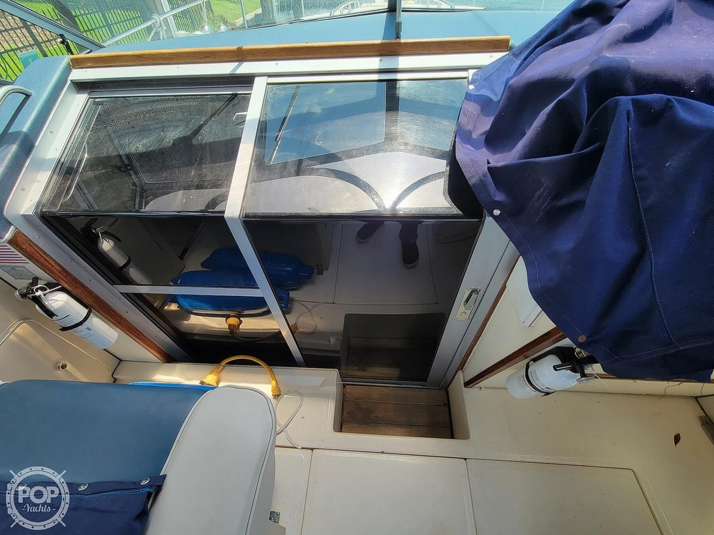 1988 Sea Ray boat for sale, model of the boat is 29 & Image # 31 of 40