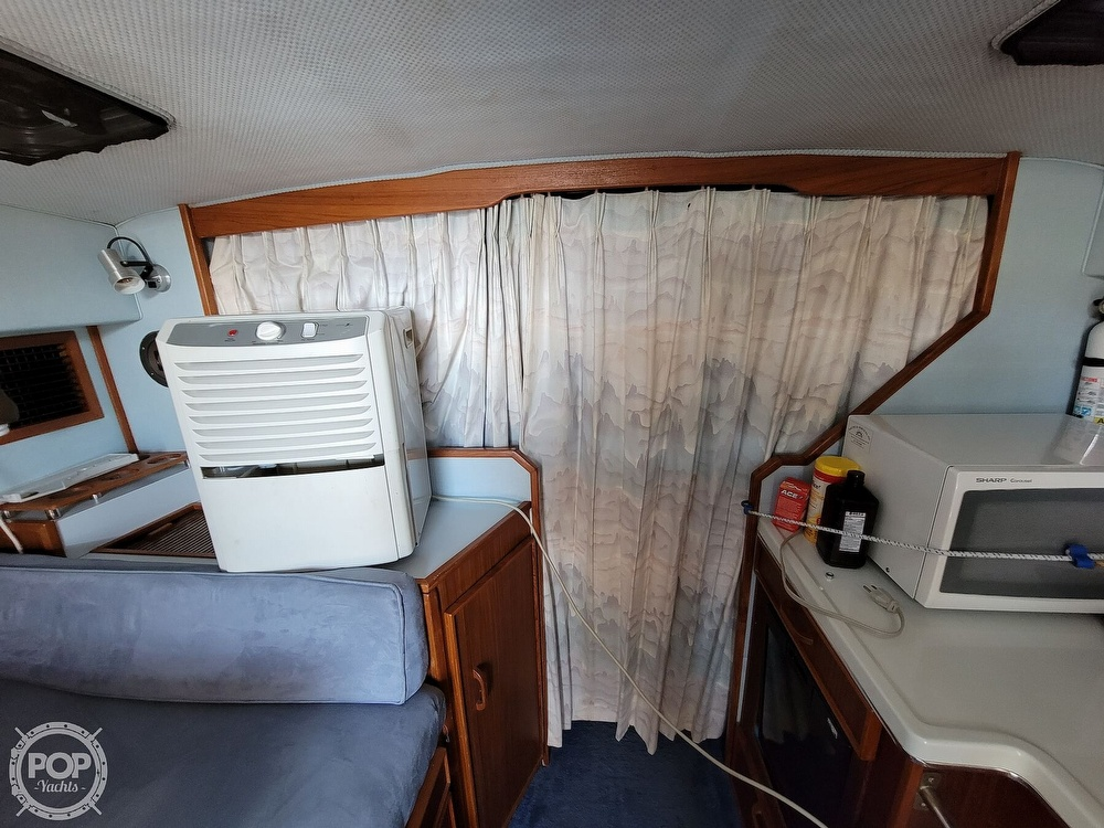 1988 Sea Ray boat for sale, model of the boat is 29 & Image # 34 of 40