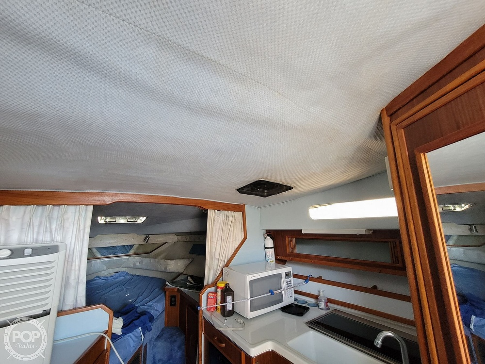 1988 Sea Ray boat for sale, model of the boat is 29 & Image # 35 of 40
